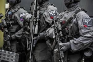 Armed Met Police